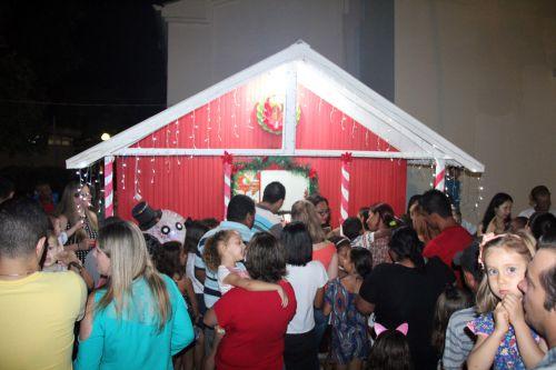 Casa do Papai Noel foi inaugurada na véspera do feriado
