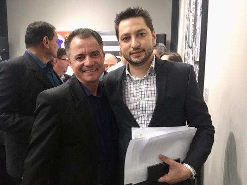 Prefeito Val Dantas e o secretário de Desenvolvimento Regional Marco Vinholi
