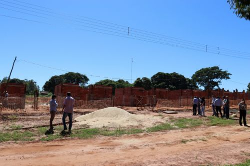 Autoridades municipais visitam obras em andamento