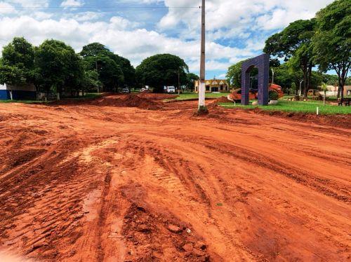 Pavimentação em torno da Praça no Jangada
