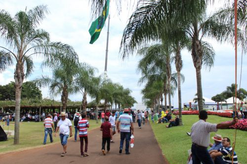 Agricultores do município participam do Show Rural Coopavel.