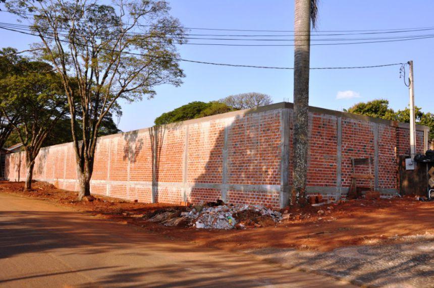 Construção de Muro - Pátio Rodoviario