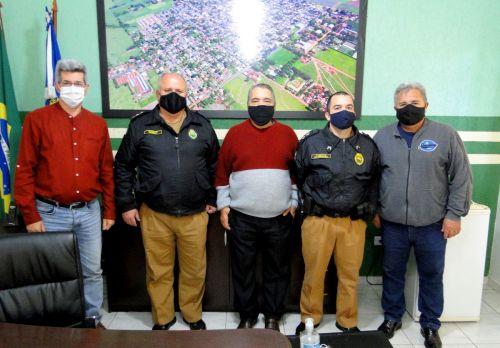 da esquerda para direita Aguinaldo Câmara, Major Moreira, Chico Leite, Tenente Scarmanhani e Celso Leite