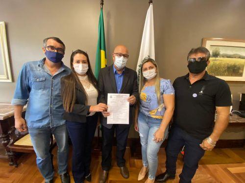 Vereadores de Rancho Alegre D Oeste estão em Curitiba buscando recursos