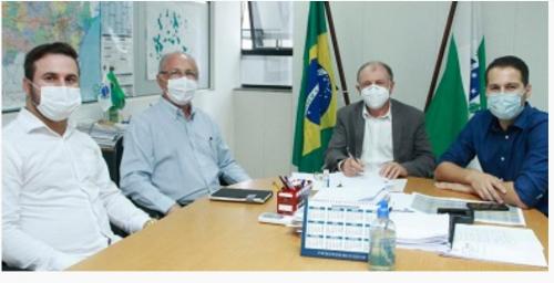 Rancho Alegre D′Oeste; Prefeito Aristeu Ceniz manteve audiência no SEDU