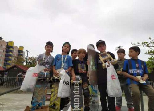 Campeonato de Skate Kids com apoio da prefeitura  anima Shangrilá na véspera do Dia das Crianças