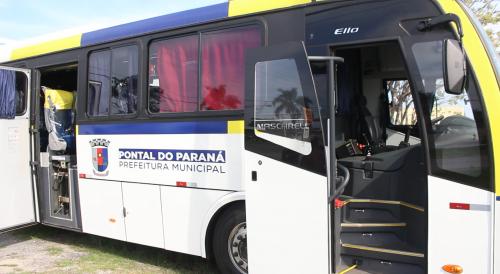 Pontal do Paraná adquire van e três novos ônibus