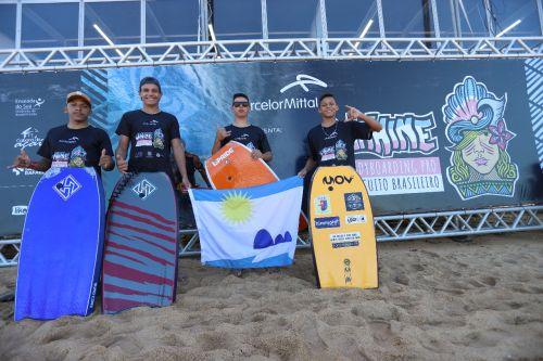 Atletas de Pontal do Paraná trazem títulos em campeonato de Bodyboard no Espírito Santo