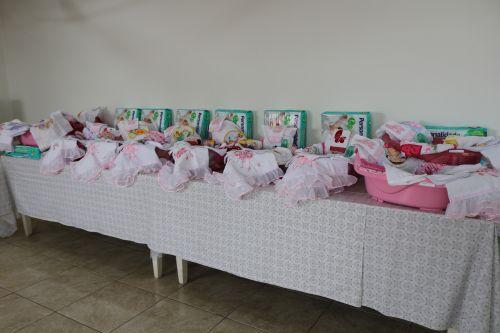 APMI Realiza entrega de 23 Kits maternidade