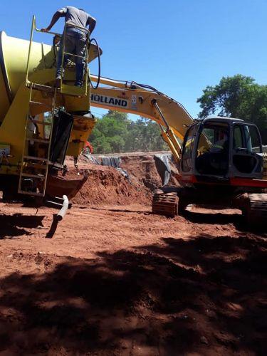 PREFEITURA REINICIA CONSTRUÇÃO DE ATERRO QUE DÁ ACESSO AO FRIGOASTRA