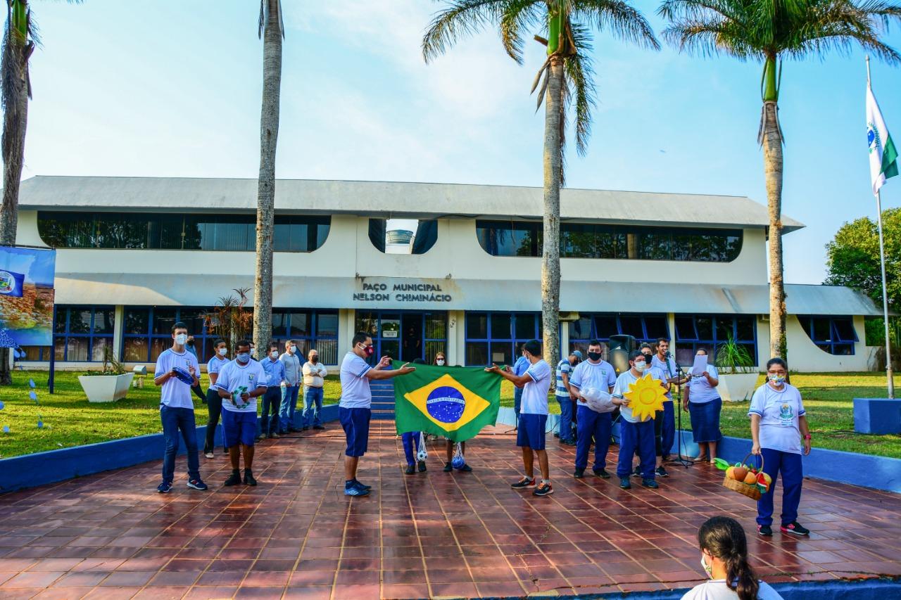 COMEMORAÇÕES ALUSIVAS À SEMANA DA PÁTRIA NA MANHÃ DESTA QUARTA-FEIRA (08) EM MAMBORÊ