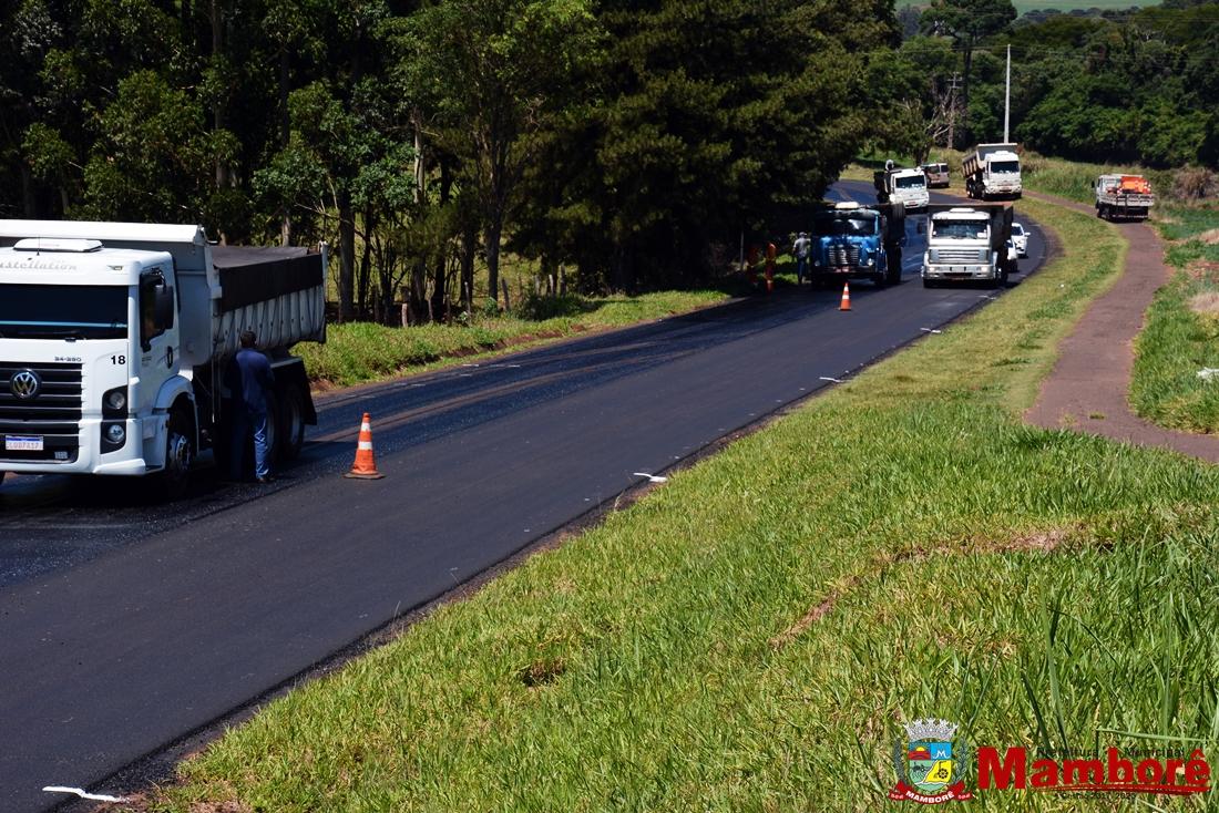 Recapeamento da rodovia PR-471, acesso a BR 369 e ruas de Mamborê