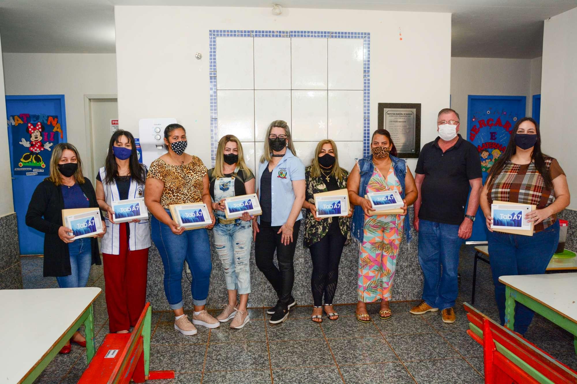 SECRETARIA DE EDUCAÇÃO DE MAMBORÊ ADQUIRE TABLETS PARA USO DOS PROFESSORES DA REDE MUNICIPAL