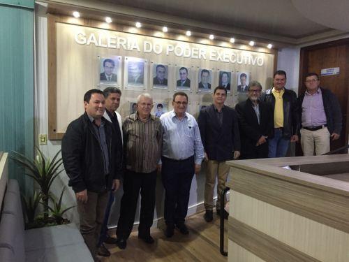 Ex-prefeitos e vices são homenageados na noite do dia 13/06 na inauguração da Galeria do Poder Executivo