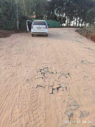 Calçamento com Pedras Irregulares Estrada Cruzeiro/Joá