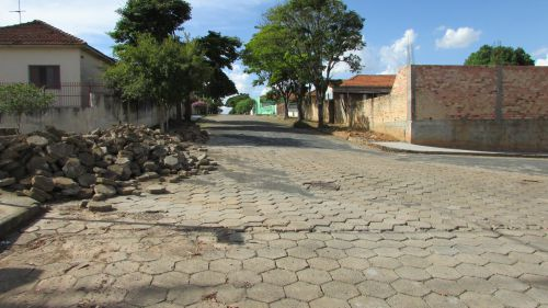 Obra de Reparo de Lajotas Bairro Vila Nova