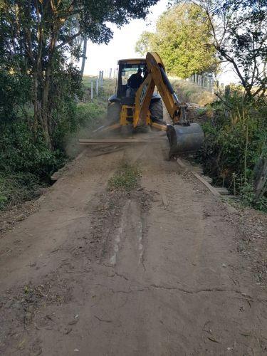 Reforma de Ponte Bairro Pinheirinho (MENINO)