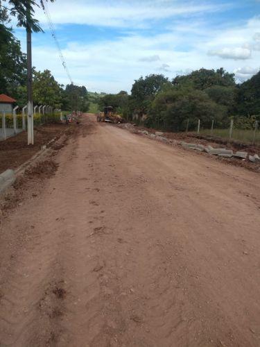 Calçamento e Calçadas da Rua Principal do bairro do Joá até em frente ao Campo