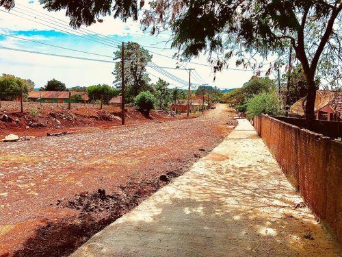 Calçamento Estrada Principal e Calçadas do Bairro do Cruzeiro