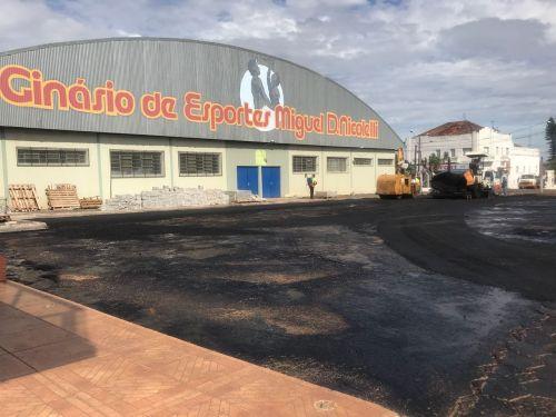 Calçamento Asfalto em Frente ao Ginásio de Esportes Miguel D. Nicolelli