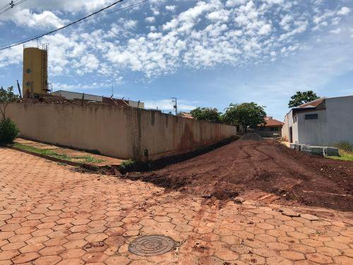 Calçamento Lajotas Sextavadas da Rua dos Coqueiros (Rua próxima a Super Creche)