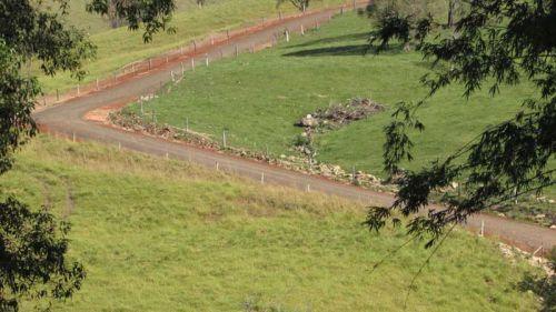 Calçamento estrada Pinhalzinho