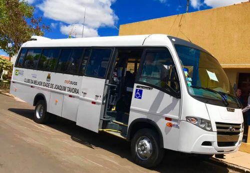Ônibus para Clube da Melhor Idade