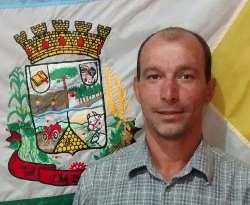 Esmael José de Menezes