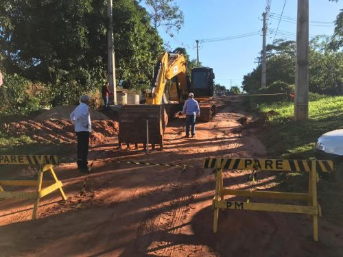 PREFEITURA DE QUERÊNCIA DO NORTE INICIA OBRAS DE GALERIAS PLUVIAIS NA RUA PONTA PORÃ