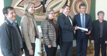 Prefeitos da região central almoçam com o governador Beto Richa