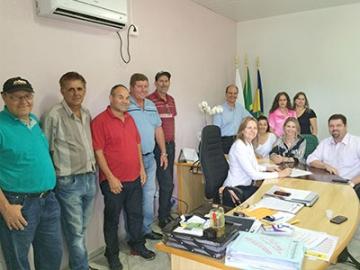Prefeitura de Manoel Ribas adota apostilas para ano letivo/2015