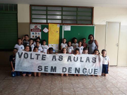 Alunos da rede municipal realizam combate à dengue