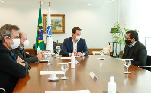 Prefeitura e Governo do Estado Estado agilizam regularização fundiária para 110 famílias do Nosso Município.