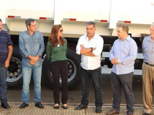 Prefeitura Recebe Novo Caminhão Basculante