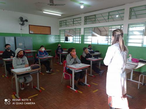 Saúde realiza orientações na volta às aulas presenciais