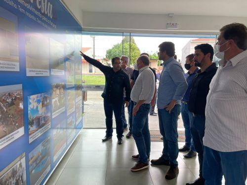 Secretario de Desenvolvimento Urbano do Paraná visita Floresta