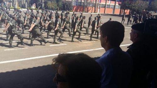 Prefeito visita 30º Batalhão de Infantaria Mecanizada em Apucarana