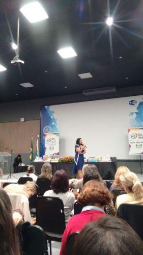 Secretária e Diretora de Educação participam de Fórum em Curitiba