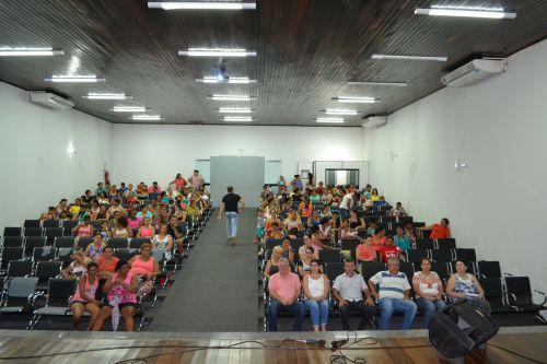 Secretaria de Assistência Social realiza reunião do Bolsa Família