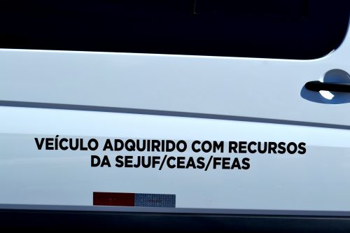 ASSISTÊNCIA SOCIAL ADQUIRE VAN ADAPTADA PARA NECESSIDADES ESPECIAIS