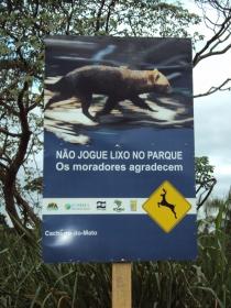 Sinalização Turística implantada no Parque Nacional  de Ilha Grande.