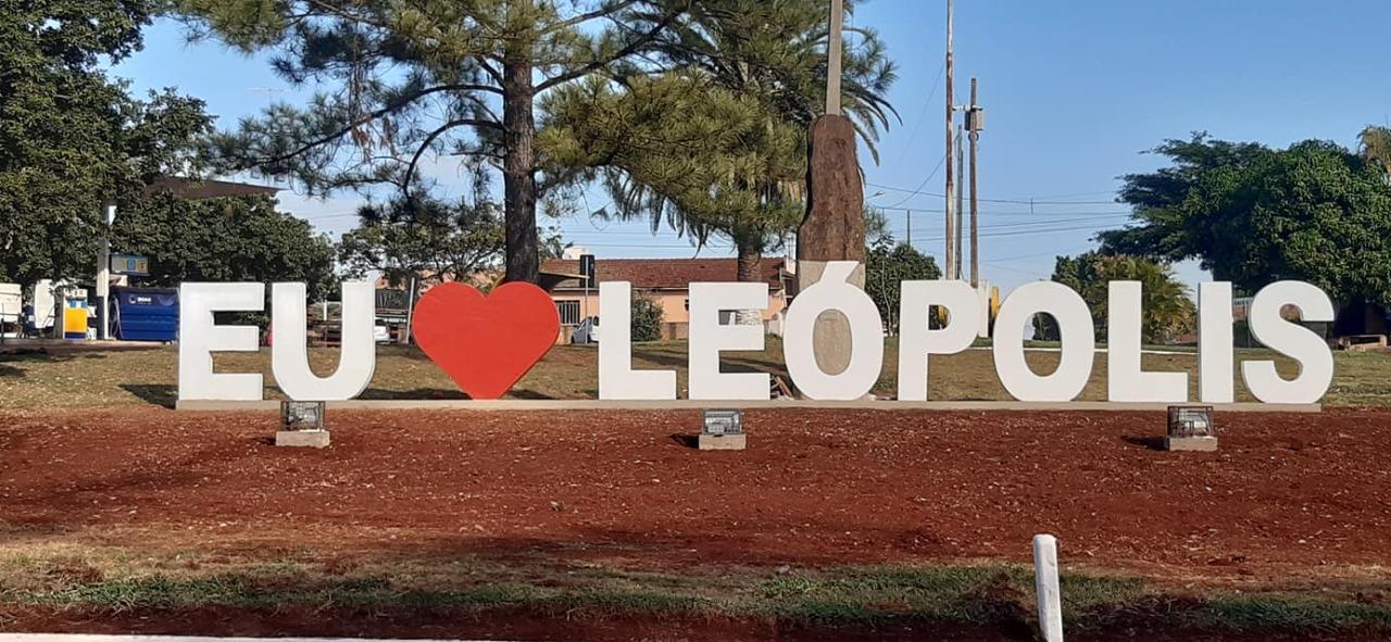 Novo letreiro turístico é inaugurado em Leópolis, PR
