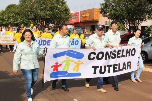 1.500 pessoas participam de Desfile Cívico em Jesuítas