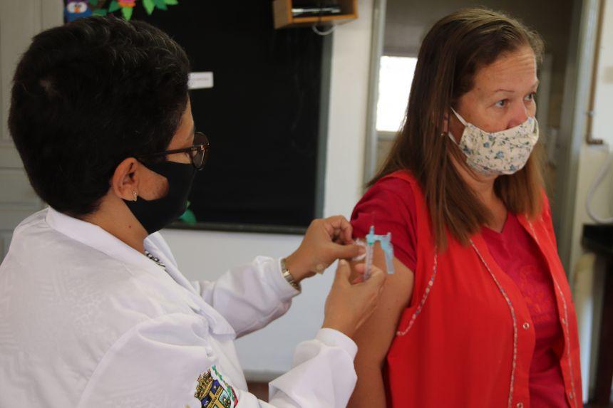 Cafelândia inicia vacinação contra Influenza para professores
