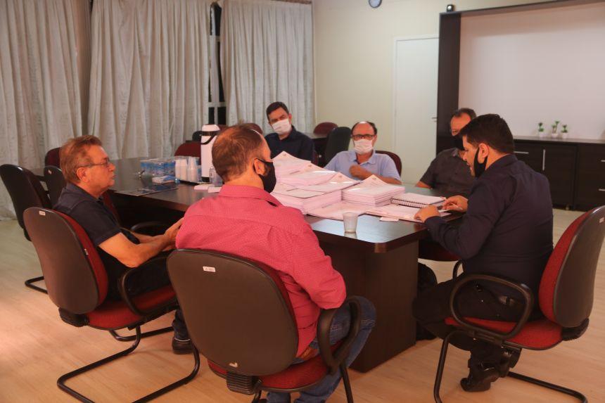 Cafelândia: comissão de transição se reúnem para a entrega de documentos
