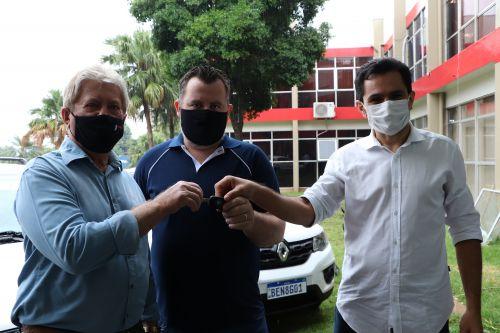 Governo Municipal de Cafelândia realiza a entrega de três veículos
