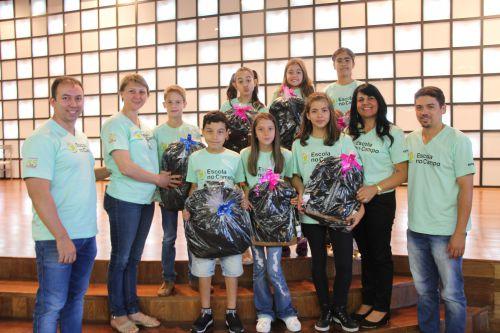 Alunos de Cafelândia participam da premiação do Projeto Escola no Campo