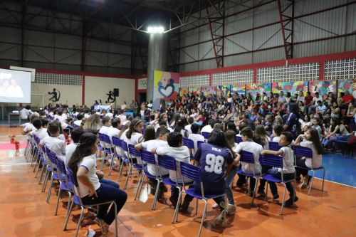 Formatura do 5º ano da Escola André Luiz de Cafelândia é realizada com sucesso
