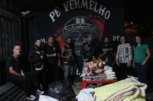 CRAS recebe doação do Grupo de motociclistas Pé Vermelho