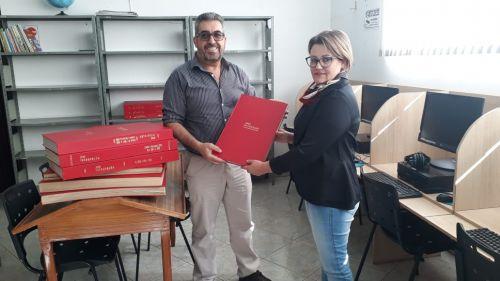 Biblioteca municipal recebe as edições do Jornal Integração